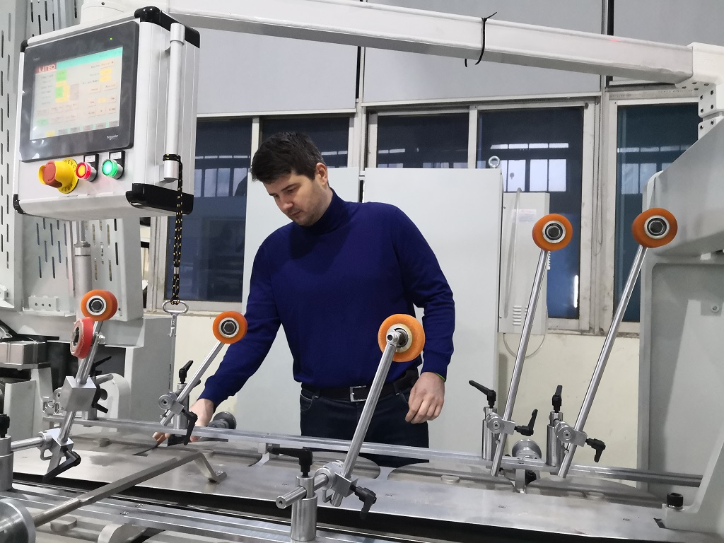 обучение инженера сервисной службы Jingmoda